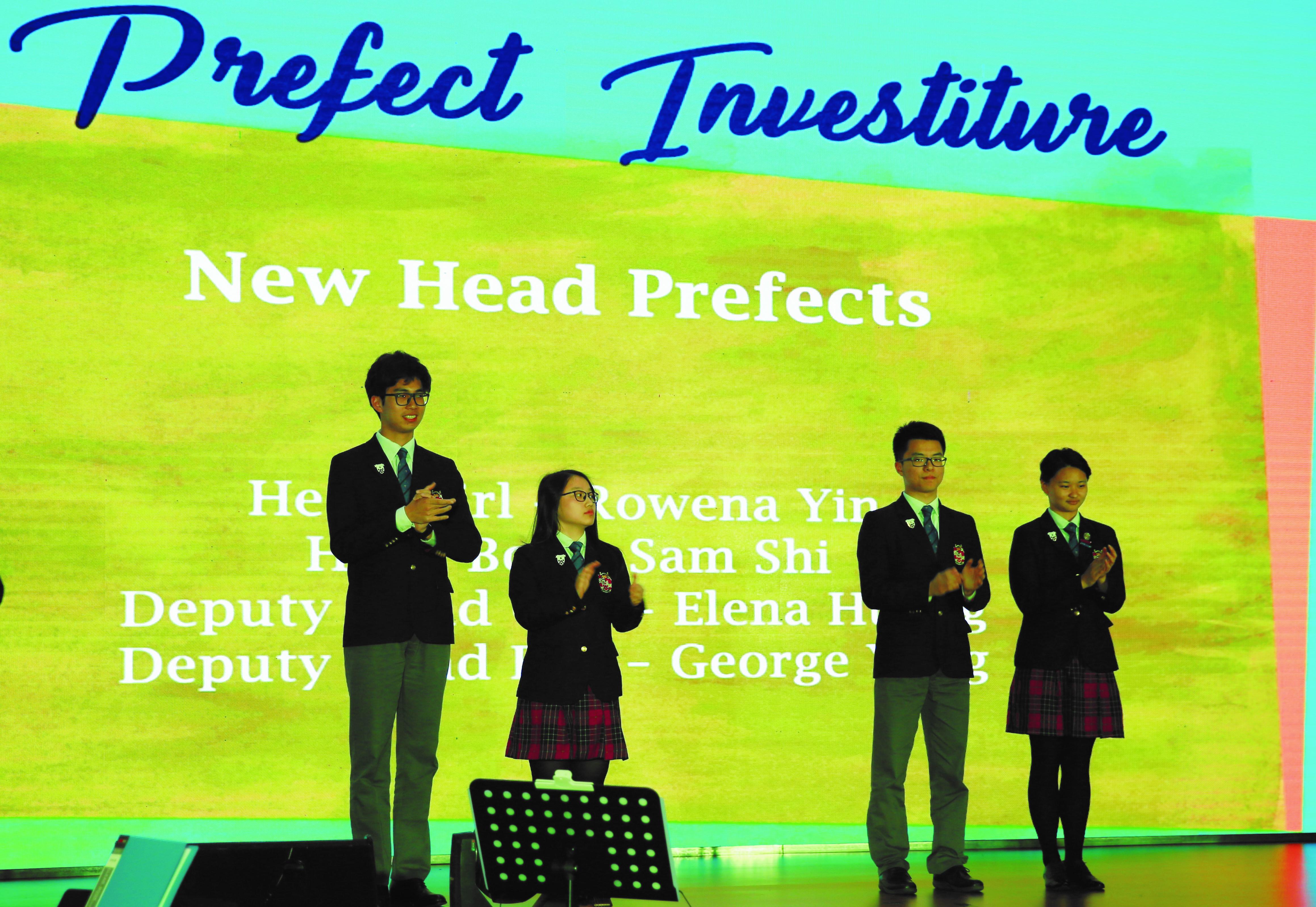 学生会女会长授章-Dulwich_International_High_School_Suzhou