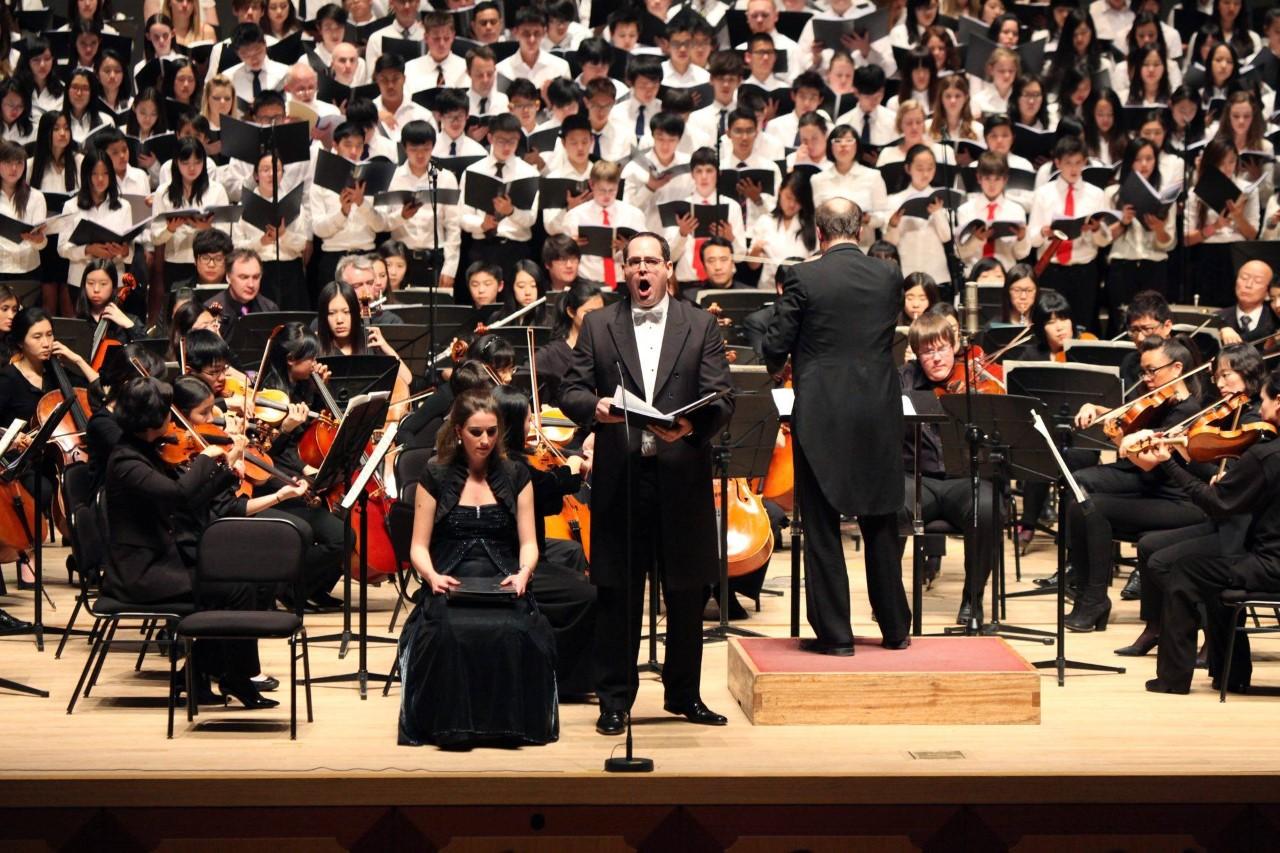 Tim Parker solo performance of Brahms Requiem