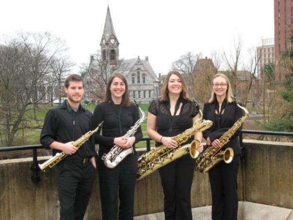 Rachel在马萨诸塞大学阿默斯特分校的萨克斯四重奏乐队