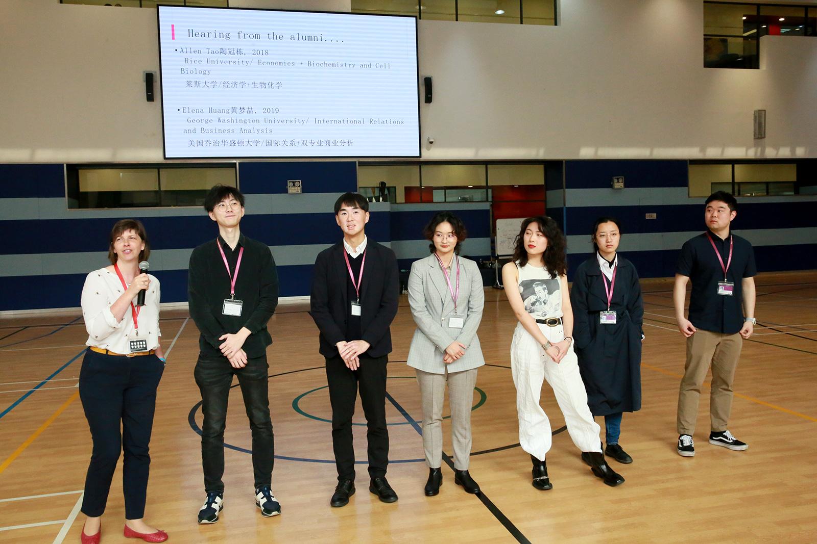 alumni-panel-02