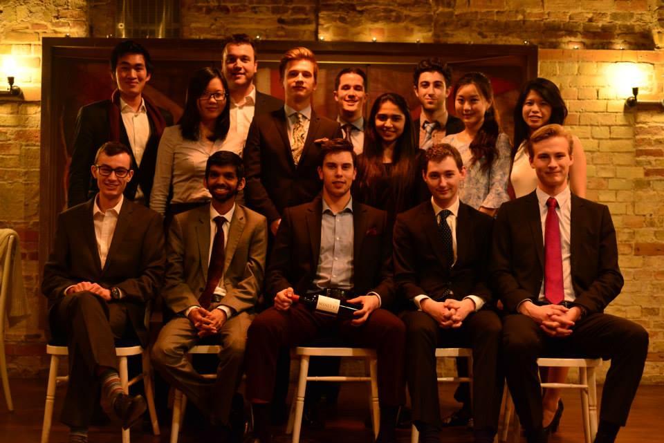 剑桥大学金融投资社团 (第二排,左数第八位)