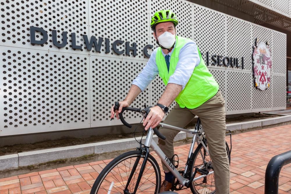gudmundur-bike-4943-resized-1000