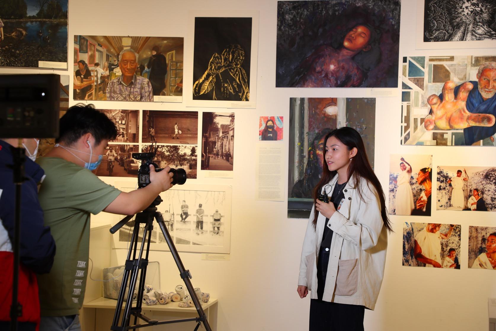 北京德威IB艺术展 - 学生录制视频