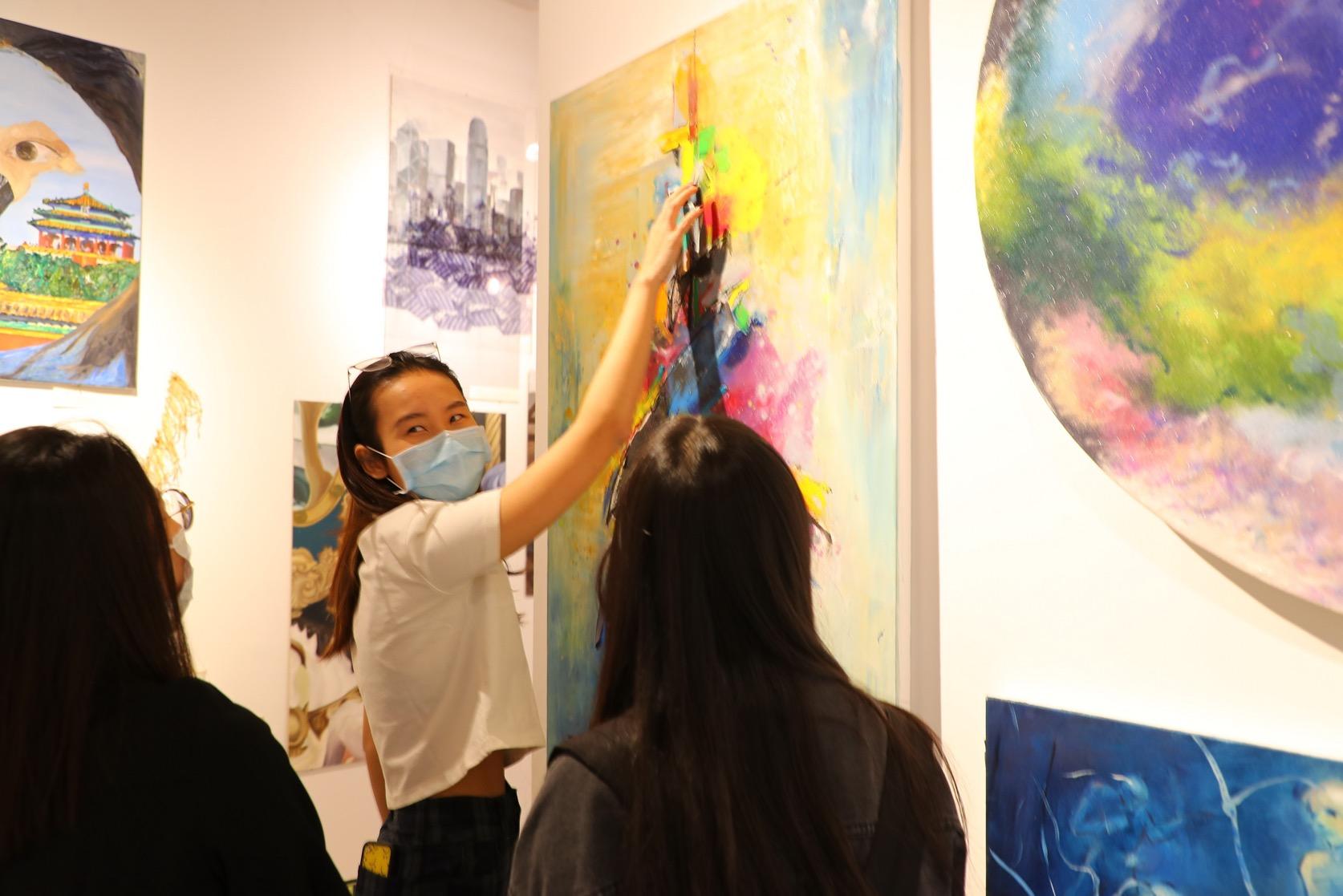 北京德威IB艺术展 - 学生讲解作品