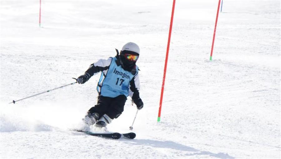 DCB student skiing