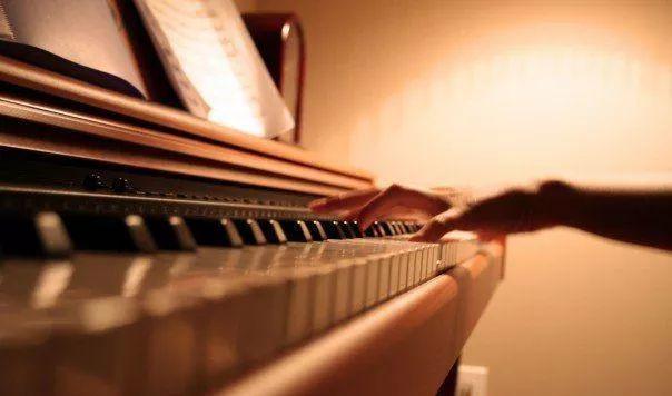 piano-Dulwich_International_High_School_Suzhou