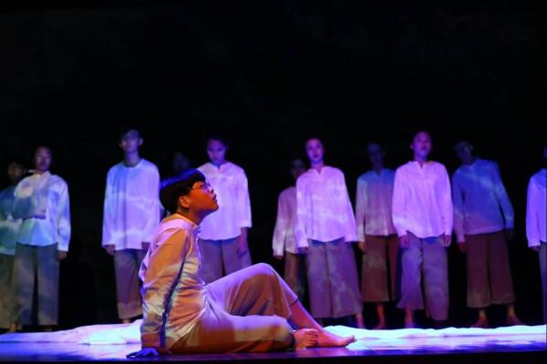 德威国际学校学生演戏