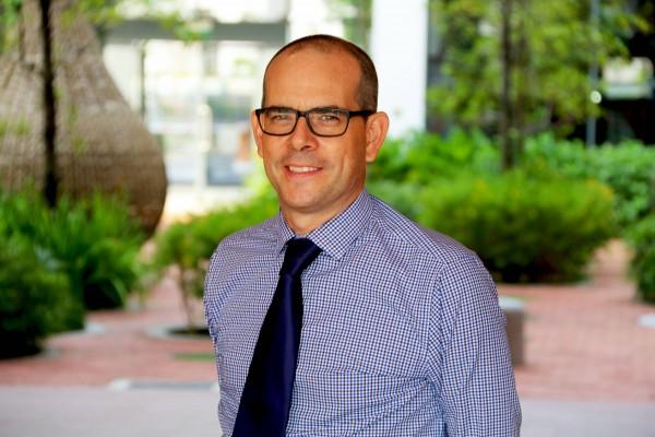 Headshot of Richard Lee