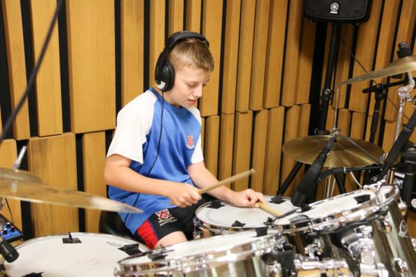 德威学生创作音乐
